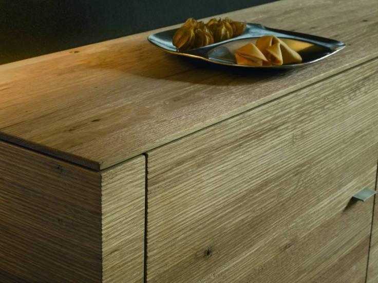 Meble z litego drewna Cubo Hartmann