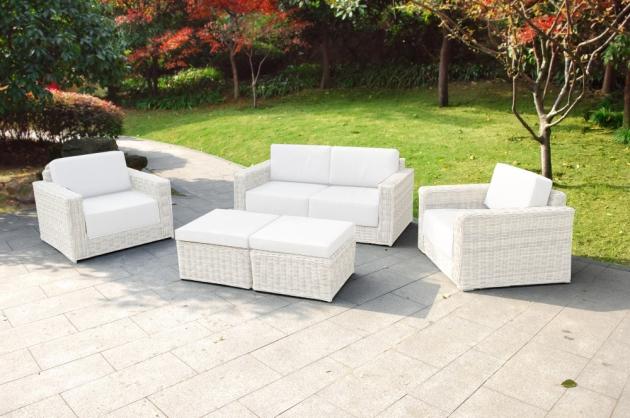 Białe meble ogrodowe Luchon