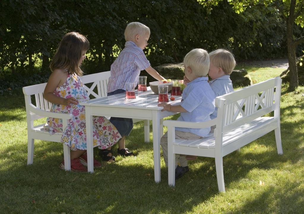 Meble Ogrodowe Drewniane Design : Dziecięce meble ogrodowe Skagerak