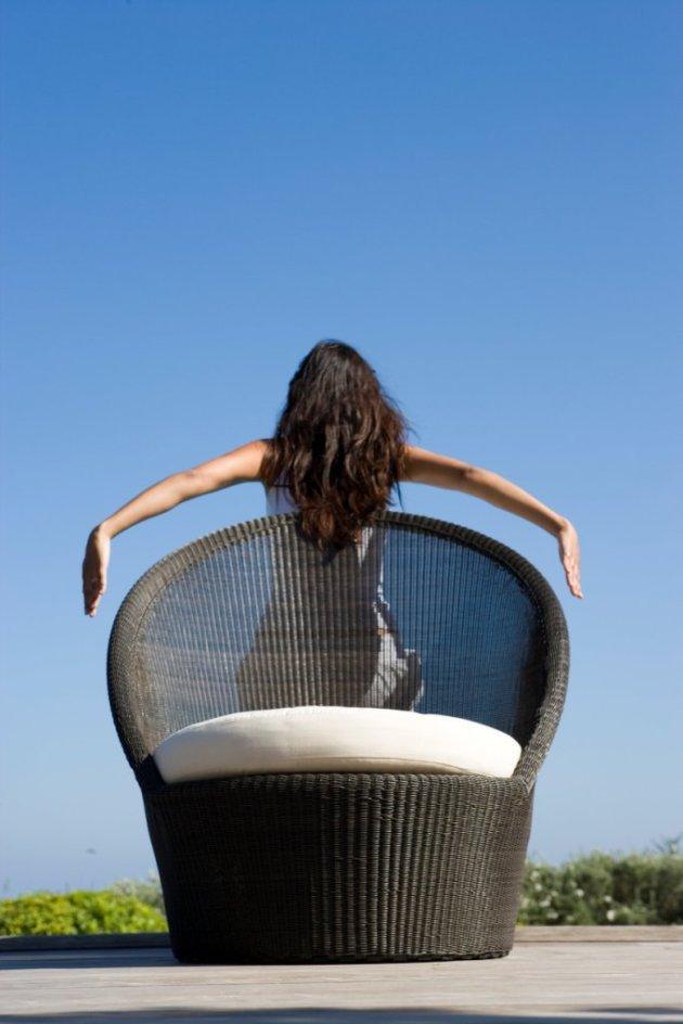 Wygodny fotel ogrodowy Kingston Sunchair. Designed by Foersom & Hiort-Lorenzen MD