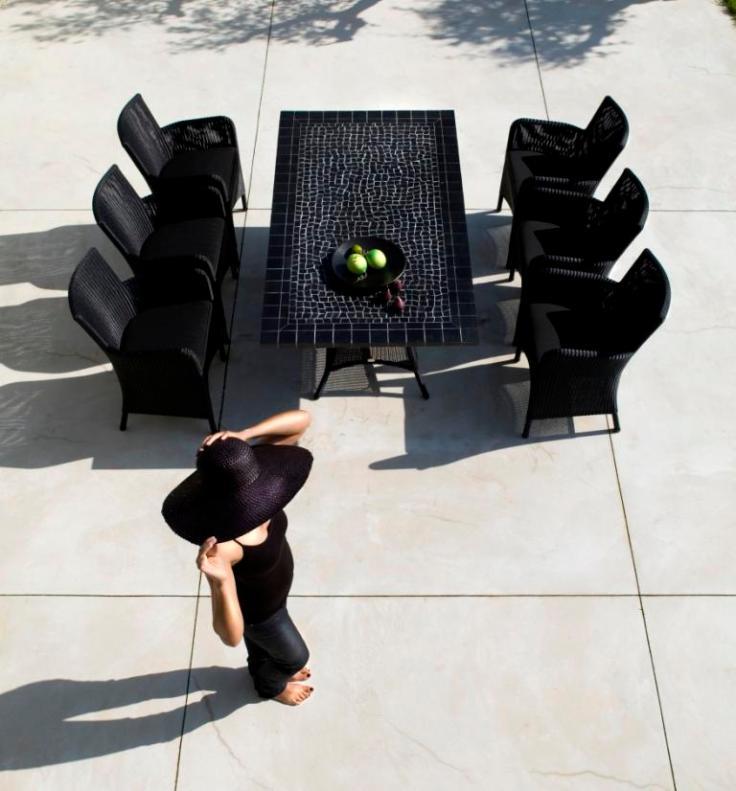 HAMPSTED Cane-line czarne fotele ogrodowe