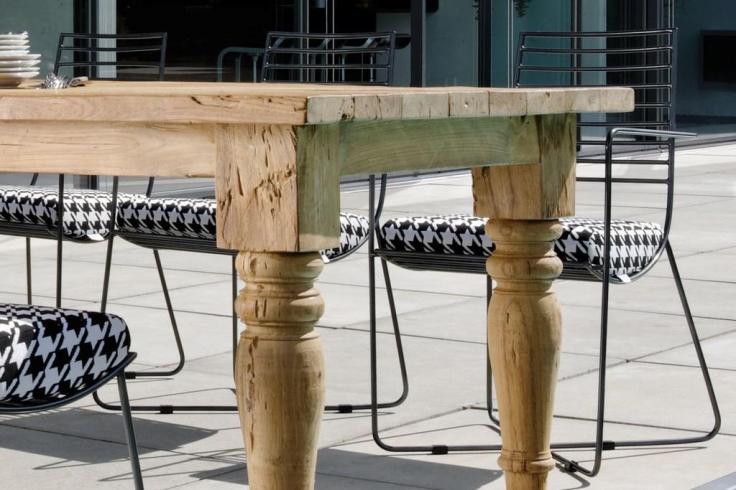 Krzesło TESS. Design Jürgen Sohn. STERN