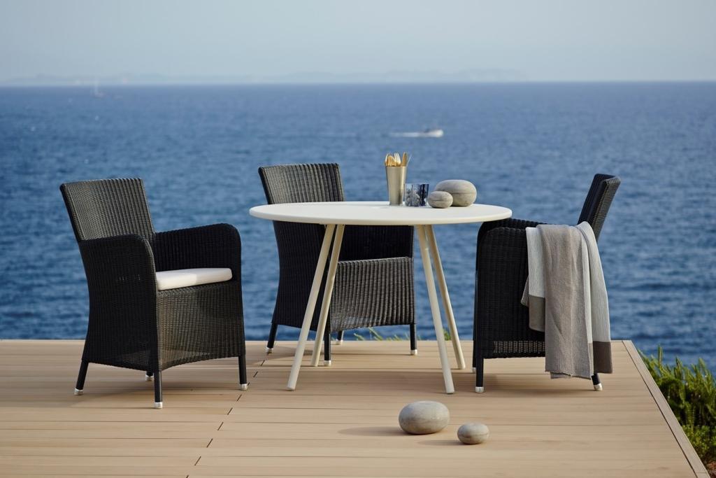 AREA Cane-line biały stół i krzesła HAMPSTED fotele ogrodowe