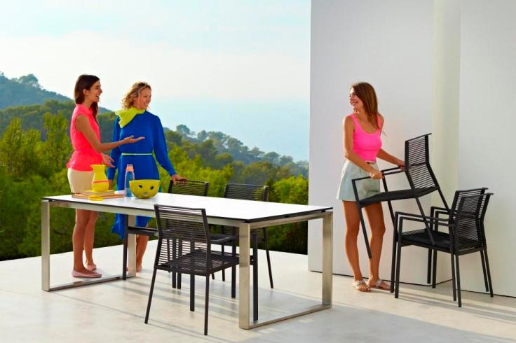 EDGE Cane-line nowoczesne krzesło na taras. Design by STRAND+HVASS