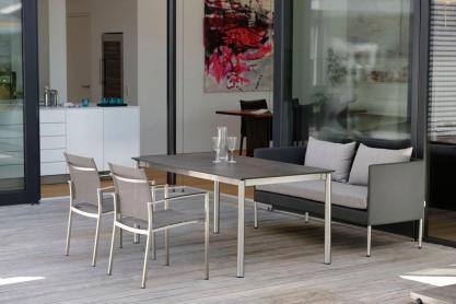 MIGUEL sofa, CARMEL krzesła i stół STERN 102083.101573