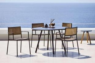 LESS DINING Cane-line krzesła ze stołem AREA