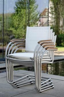 mali-krzesla-sztaplowane-stern