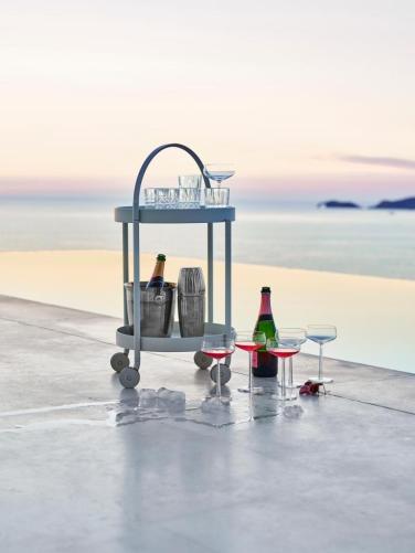 ROLL Cane-line barek z tacą. Design by Welling - Ludvik