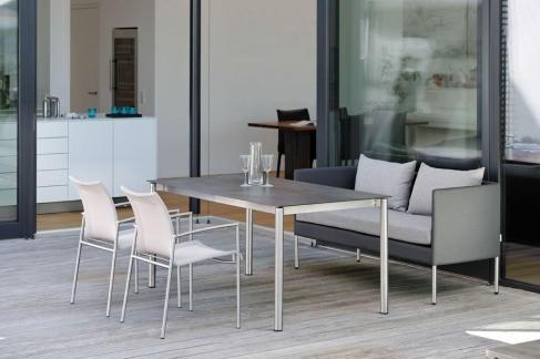 MIGUEL sofa, SKAGEN krzesła i stół STERN