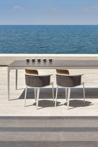 PLAY stół z ceramicznym blatem. ETHIMO