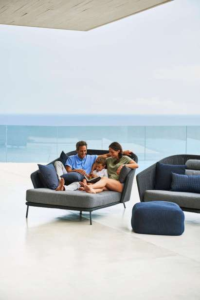 Mega daybed right. Cane-line